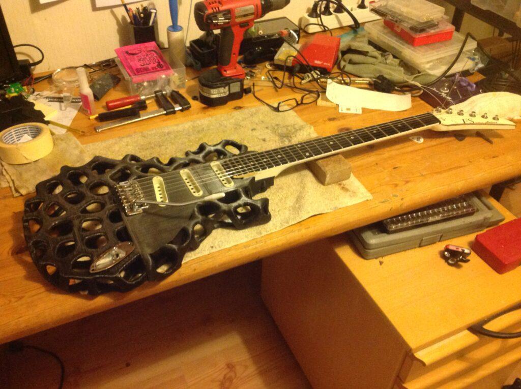 3d gitaren under bygging