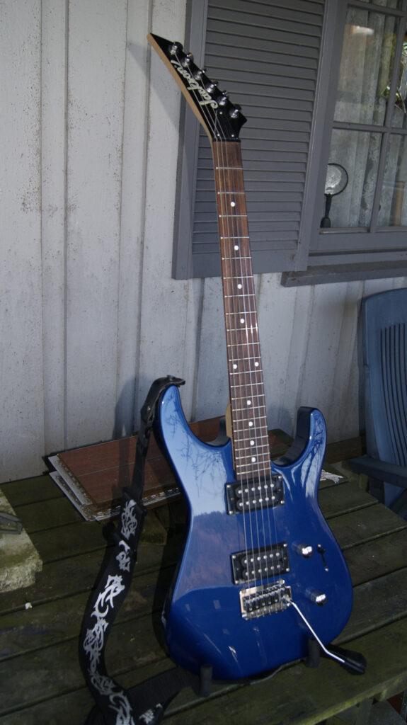 Blå nydelig Jackson gitar